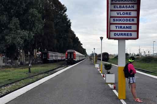Саудовцы и кувейтцы выделят средства Албании для строительства дорог