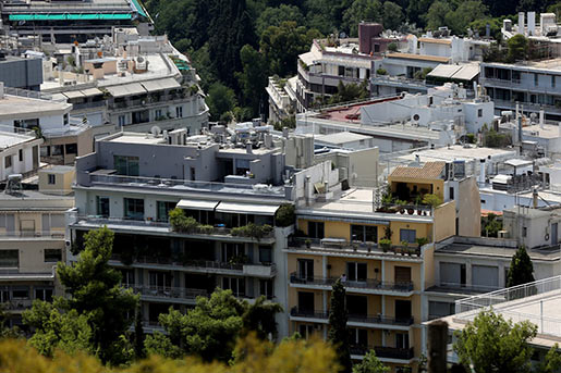 Рынок недвижимости Греции продолжает «тонуть»