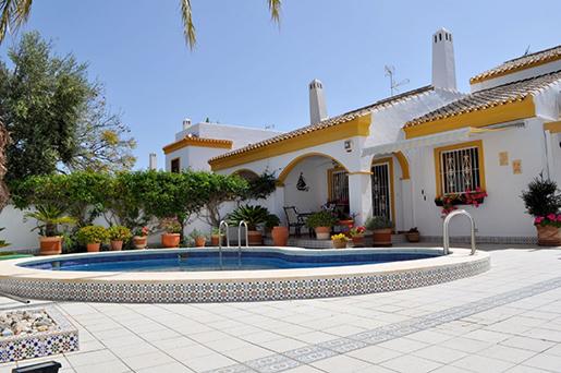 Владельцы пустующих домов в Испании с каждым годом теряют все больше в деньгах