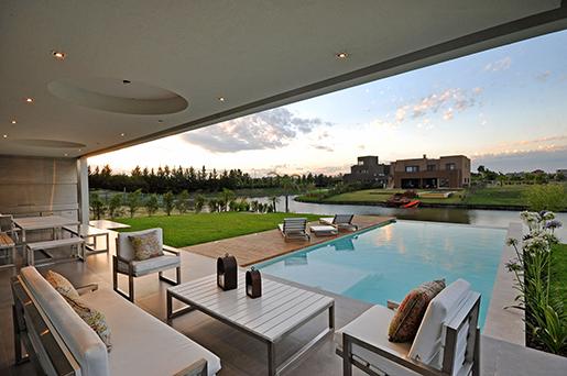 В Аргентине зафиксировали активную распродажу жилой недвижимости