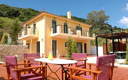 Греки приобретают дома без помощи ипотечных продуктов