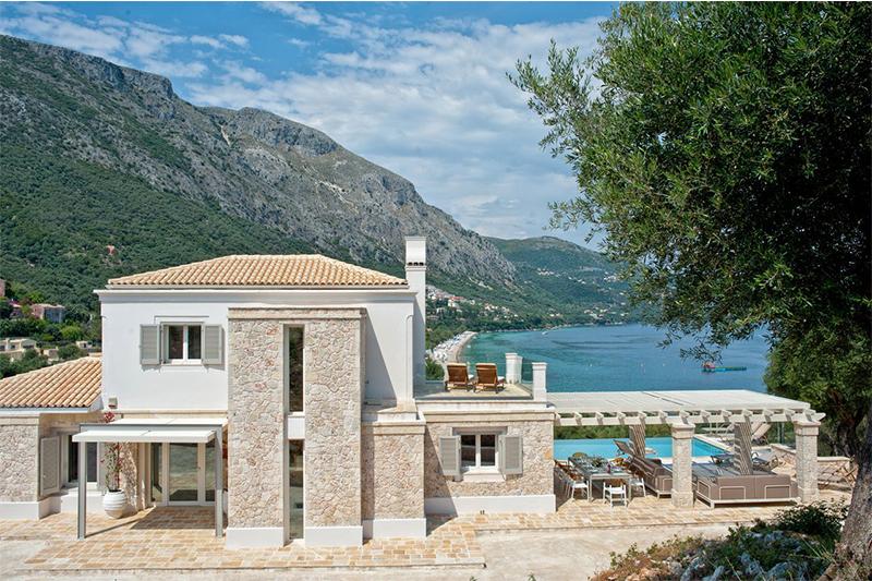 Собственники греческой недвижимости увеличили свои доходы от аренды