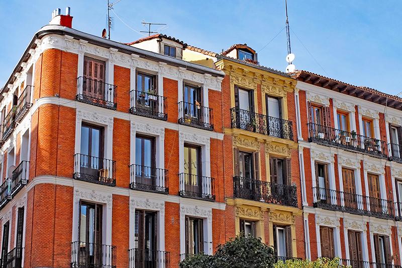 Цены на жилье активно растут в мегаполисах Испании