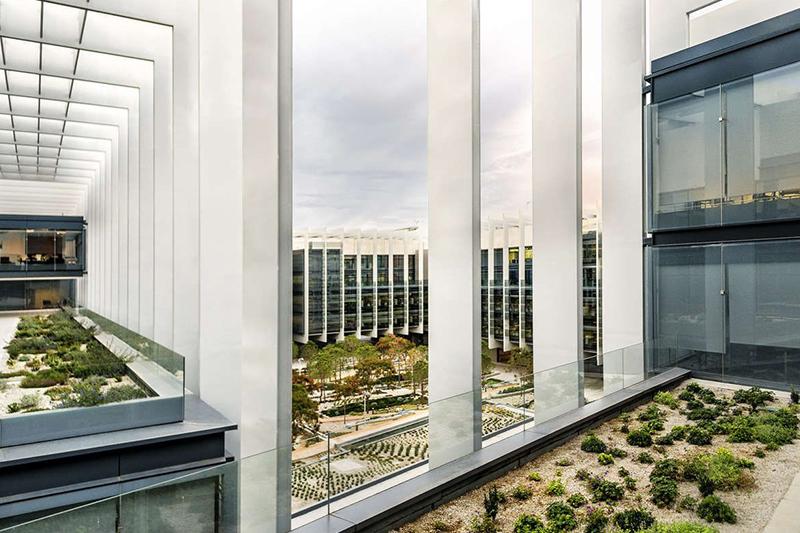 Zurich Insurance Group приобретает портфель офисной недвижимости в Испании