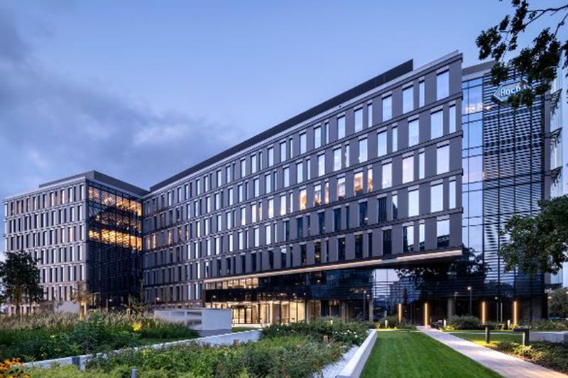 Hines продает офисное здание в Польше