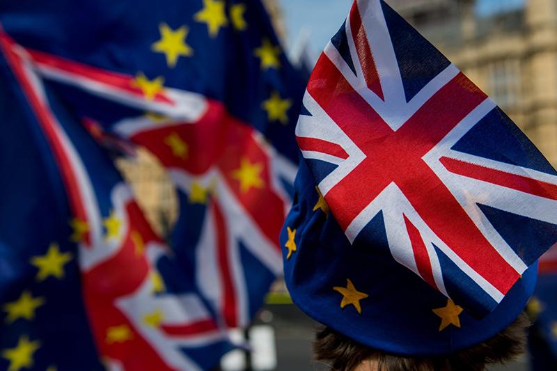 Продажи жилых объектов в Британии все еще зависят от Brexit