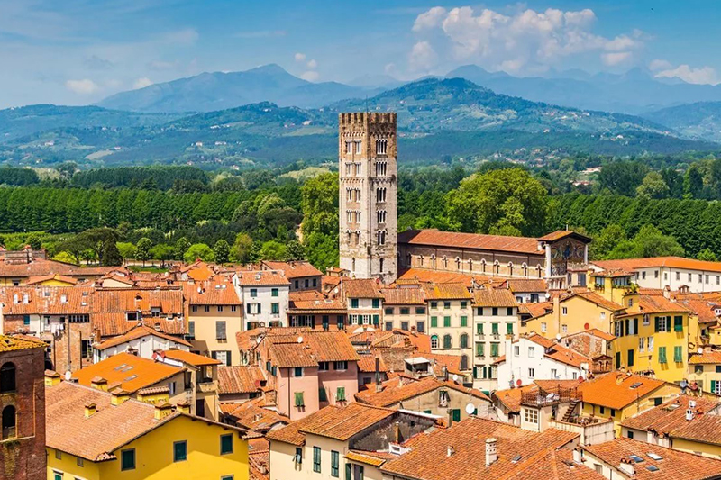 Итальянский город Лукка стал привлекать покупателей из-за рубежа