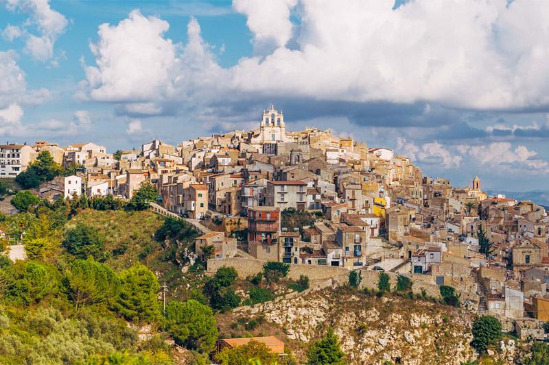 В Италии устроили распродажу домов