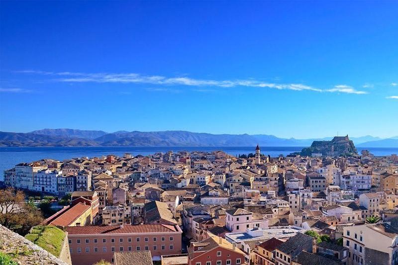 Инвесторы начали активно вкладывать средства в греческую недвижимость