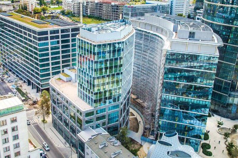LaSalle приобретает офисное здание в Польше