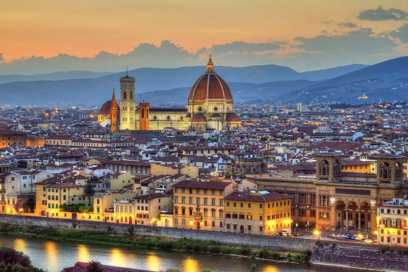 Invesco откроет два отеля в Италии