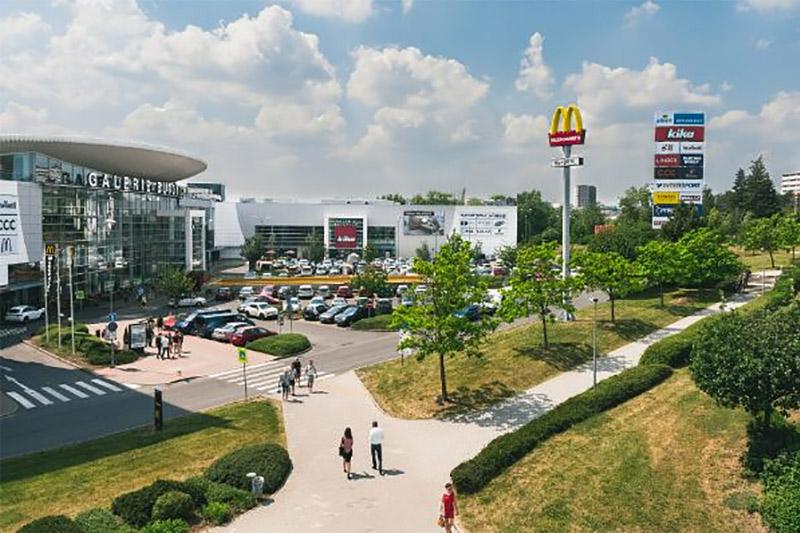 Investika покупает торговый центр Galerie Butovice вЧехии