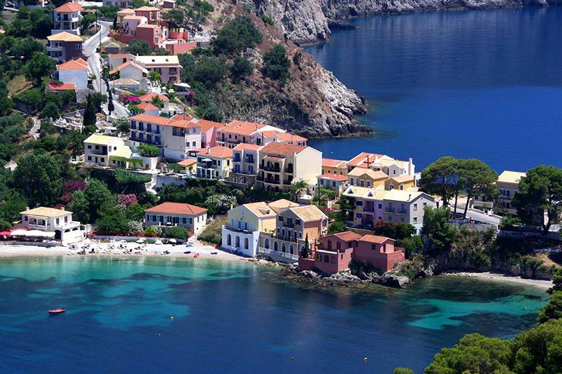 Местные жители стали проявлять интерес к греческой недвижимости