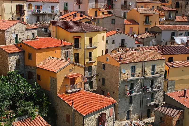 Should You Rush to Buy a House in Italy Now?