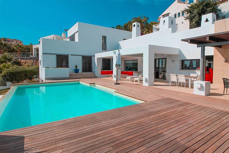 «Золотая виза» за инвестиции в недвижимость: Испания побила рекорд