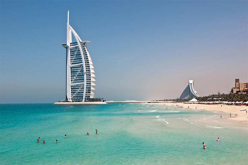 Дубай открывает границы для россиян