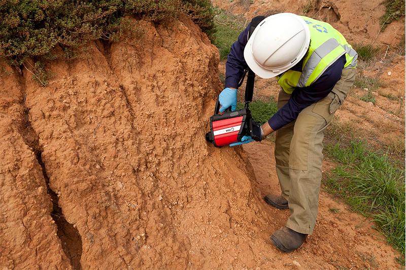 Во Франции обязали проводить анализ грунта под фундамент